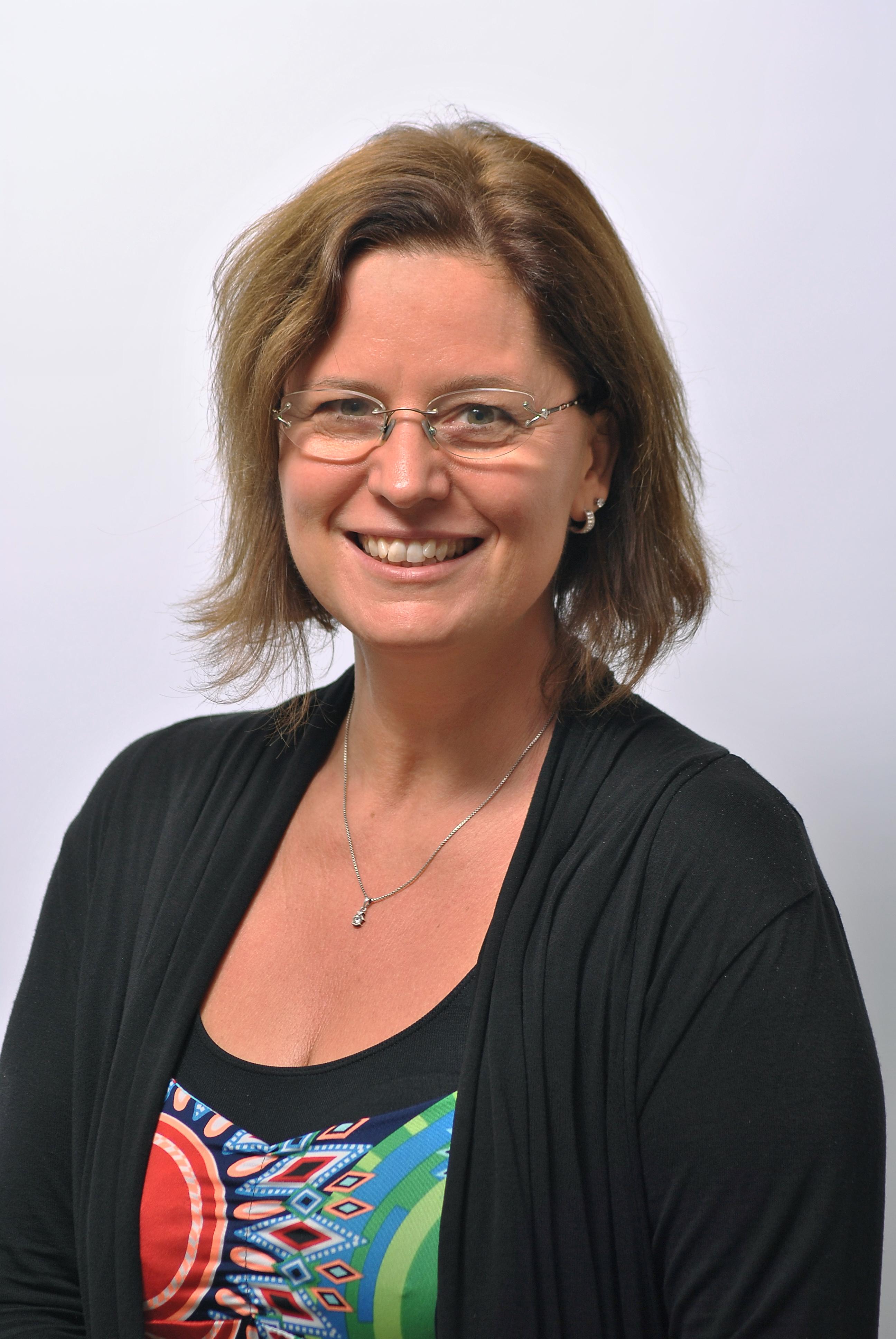 Karaszi Katalin