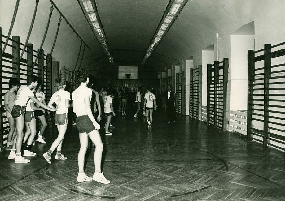 isktort-tornaora-1985
